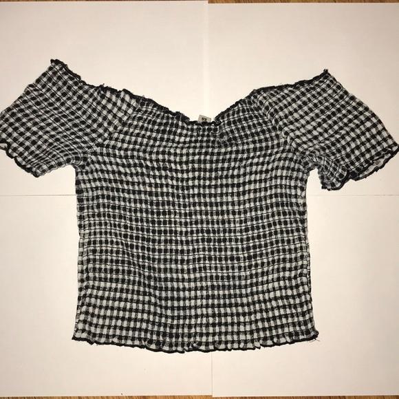 e43c93b60e0fc0 Black   White Checkered Smocked Ruffle Crop top